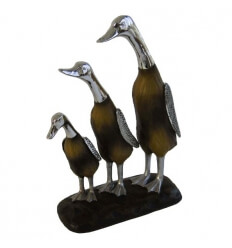 Figurine – metal and resin geese