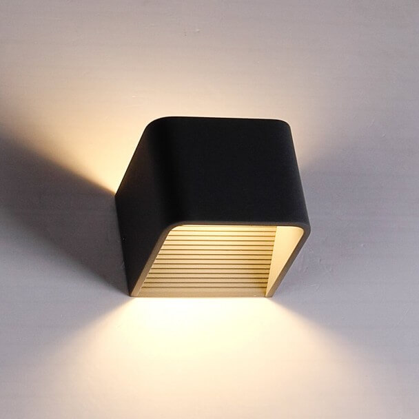 LED 6W black wall light Quadra - 10 cm